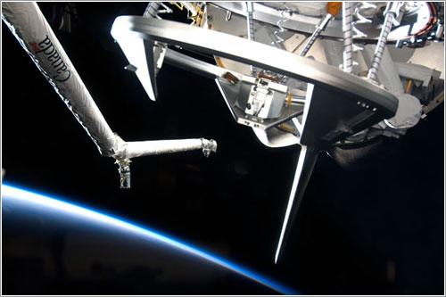 Anillo de Acoplamiento, preparandose para conectar a la ISS.
